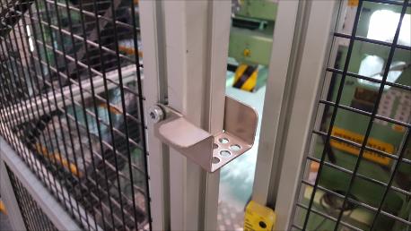 Consignación de puertas Zapo de Safework